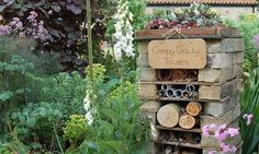 insect-hotel-country.jpg 460×276 pixels