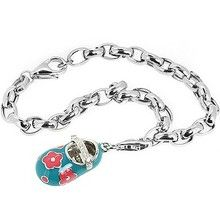 For those with a new baby it is obvious to think about buying a pair of latest and stylish baby charms to make the occasion memorable. The first step that any parents would love to do is search for a suitable design to make the baby birth occasion delightful.