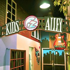 Specializing in creative atmospheres for kids and adults using hand-painted wall murals, stage set design, custom props, and 3-D themed environments.