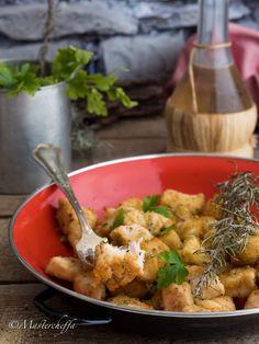 Bocconcini di pollo sabbiosi marinati al vino bianco