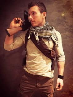 Nathan Drake Uncharted 3 cosplay 2017