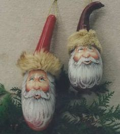 Four Gourd Santas # 217 - Jean Zawicki Fur trimmed hats * Decorative Gourds, Hand Painted Gourds, Painted Ornaments, Xmas Ornaments, Yule, Dremel Projects, Santa Face, Pintura Country, Christmas Paintings