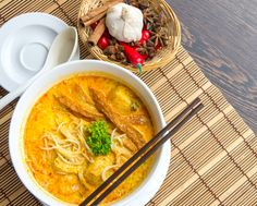 Coconut Chili Chicken Noodles Soup. This delicious soup is satisfying and delicious. Healthy and ready to go, pin if you like it! Click for the recipe x