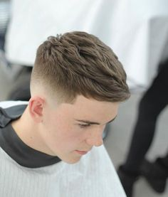 Mens Hairstyles + Cool Haircuts For Men - Easy Hairstyles Best Fade Haircuts, Cool Hairstyles For Men, Thin Hair Haircuts, Undercut Hairstyles, Cool Haircuts, Short Hair Cuts, Short Hair Styles, Hairstyle Fade, Man Hair Style Short