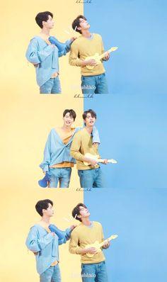 """the series❤ ❤Vì chúng ta là một đôi ❤ """"𝙄 𝙝𝙖𝙫𝙚 𝙗𝙚𝙚𝙣 𝙞𝙣𝙩𝙤𝙭𝙞𝙘𝙖𝙩𝙚𝙙 𝙗𝙮 𝙩𝙝𝙚𝙞𝙧 𝙡𝙤𝙫𝙚 ! (⸝⸝⸝ᵒ̴̶̷̥́ ⌑ ᵒ̴̶̷̣̥̀⸝⸝⸝) Tine x Sarawat Bright Wallpaper, Wallpaper Iphone Cute, Cute Wallpapers, Beautiful Boys, Pretty Boys, Dramas, Classroom Welcome, Cute Asian Guys, Bright Pictures"""