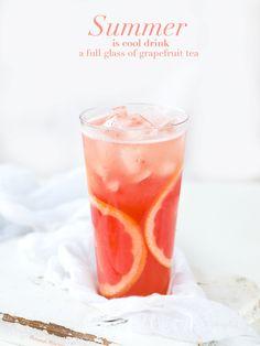 Candy Drinks, Fruit Drinks, Menu Design, Food Design, Refreshing Drinks, Summer Drinks, Magazin Covers, Fruits Photos, Drink Photo