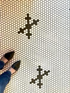 Krásná mozaiková podlaha v Bistro Kaprova. Mosaic floor in Bistro Kaprova.