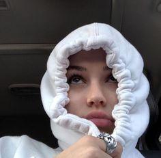 *・ Qᥙιᥱᥒ dιrίᥲ qᥙᥱ ᥱᥒ ᥙᥒ m&g todo ᥴᥲmbιᥲrιᥲ . Bad Girl Aesthetic, Aesthetic Photo, Aesthetic Pictures, Maggie Lindemann, Flipagram Instagram, Cute Selfie Ideas, Applis Photo, Western Girl, Selfie Poses