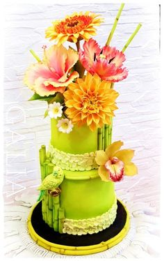 CAKE WITH A PARROT by Galia's Art Vegan Wedding Cake, Wedding Cake Red, Amazing Wedding Cakes, Elegant Wedding Cakes, Floral Wedding, Pretty Cakes, Cute Cakes, Beautiful Cakes, Candy Cakes