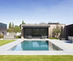 Swiming Pool, Indoor Swimming Pools, Swimming Pool Designs, Home Spa Room, Spa Rooms, Moderne Pools, Backyard Buildings, Modern Backyard, Indoor Outdoor Living