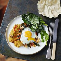 Hey guys #recipeoftheday from Everyday Super Food book delicious -delicious squash daal...Top each portion of daal with a fried egg, and pop some spinach, dressing, poppadoms and a lime wedge on the side for a healthy dinner tonight. Recipe in the book and over on Jamieoliver.com xx  #everydaysuperfood #