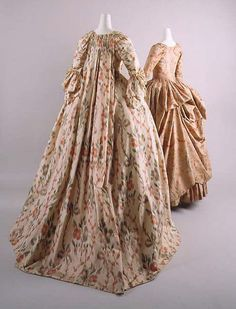 France (left) - Silk robe à la française 18th Century Dress, 18th Century Clothing, 18th Century Fashion, Vintage Outfits, Vintage Dresses, Vintage Fashion, 1940s Fashion, Historical Costume, Historical Clothing