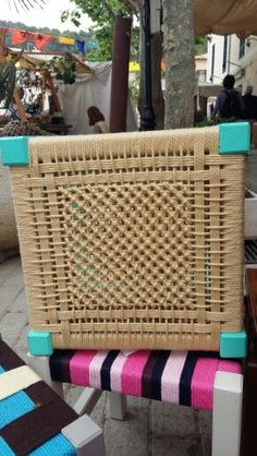 Discover thousands of images about Tamboret cordat Handmade Furniture, Cool Furniture, Chair Repair, Diy Home Interior, Traditional Baskets, Woven Chair, Macrame Curtain, Weaving Patterns, Diy Chair