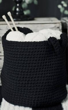 Virkattu kori / crocheted basket  ...Maybe I need to try crocheting??