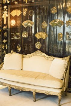 A fabulous peek inside Coco Chanel's Apartment through the eyes andlens of Jamie Beck  of Ann Street Studio, NYC.          Coco Chan...
