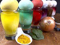 Barvíte vajíčka cibulí, řepou či borůvkami?