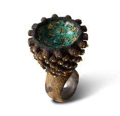 ARATA FUCHI-JP-Ring: Multiplication # 1 2013 Oxidized silver, Oxidized silver powder, Fine gold, Oxidized shibuichi, Fine silver 35 x 54 x 35 m. Jewelry Drawing, Jewelry Art, Jewelry Gifts, Gold Jewelry, Jewelry Necklaces, Bijoux Design, Handmade Jewelry Designs, Contemporary Jewellery, Gifts For Women