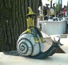 Sculptures en terre et bois flotté                                                                                                                                                                                 Plus