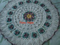 Tapete de crochê com flor Nicolly