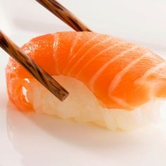 The Truth About Sushi. Why this seemingly healthy meal could be adding inches to your waistline. Now Sushi is bad for my health. What's a girl to do? My Sushi, Best Sushi, Low Potassium Recipes, Asian Recipes, Healthy Recipes, Ethnic Recipes, Healthy Fats, Healthy Sushi, My Favorite Food