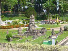 Khmer influence in Thai Chedis