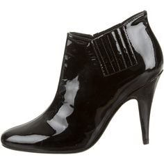 Pre-owned Valentino Booties ($295) ❤ liked on Polyvore featuring shoes, boots, ankle booties, black, black booties, patent boots, valentino boots, patent leather booties and black patent boots