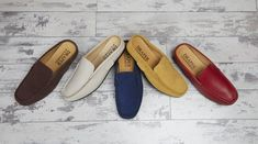 #shearlingslippers #womensshearlingslippers #womensslippers Shearling Slippers, Womens Summer Shoes, Driving Shoes, Slip On Shoes, Loafers Men, Moccasins, Oxford Shoes, Dress Shoes, Womens Fashion
