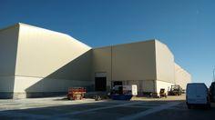 La construcción de la nave industrial para Shirts & Stickers, S.L., situada en Noblejas, Toledo, ya ha sido finalizada y cuenta con la plena satisfacción del cliente.