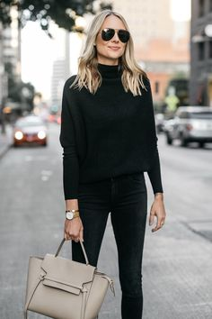 34 Cute Sweater With Black Jeans Outfit - BeauteHair Women Business Attire, Business Fashion, Black Cashmere Sweater, Cashmere Sweaters, Casual Street Style, Outfits Casual, Fashion Outfits, Woman Outfits, Women's Fashion