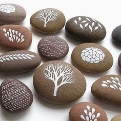 """Find and save images from the """"Kreativ - Rock / Stone / Pebble Art"""" collection by Gabis Welt :) (gabi_zitzen) on We Heart It, your everyday app to get lost in what you love. Stone Crafts, Rock Crafts, Fun Crafts, Crafts For Kids, Arts And Crafts, Crafts With Rocks, Tween Craft, Crafts Cheap, Summer Crafts"""