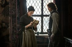 Claire reads the royal message about the Bonnie Prince.