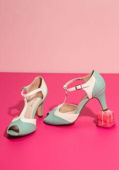 Going to Gait Lengths Heel in Seaglass | Mod Retro Vintage Wedding Heels | #ad