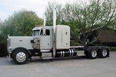 1980 peterbilt 379 for sale Show Trucks, Big Rig Trucks, Dump Trucks, Old Trucks, Peterbilt 359, Peterbilt Trucks, Chevy Trucks, Pickup Trucks, Custom Big Rigs