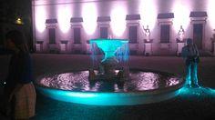 Fontana illuminata all'interno di Villa Medici