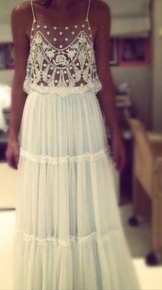 this is the dress I want! So boho chic. Boho Chic, Hippie Chic, Hippie Masa, Happy Hippie, Modern Hippie, Pretty Dresses, Beautiful Dresses, Gorgeous Dress, White Lace Maxi Dress