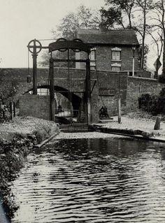 Kings Norton Lock Birmingham U K Birmingham Canal, Birmingham England, Old Pictures, Old Photos, British Things, Canal Boat, Narrowboat, Local History, Historical Photos