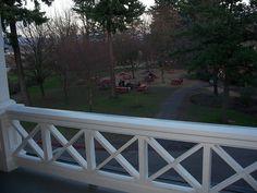 Idea for front porch railing. Love the simple design - Scott hates =(