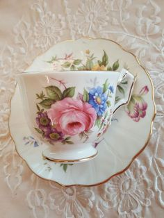 RARE Vintage Floral Aynsley Crocus Shape teacup and saucer, Made in England, Pink Flowers, Spring Spray-MW Vintage Cups, Vintage China, Vintage Tea, Vintage Floral, Tea Cup Set, Cup And Saucer Set, Tea Cup Saucer, Cuppa Tea, Teapots And Cups