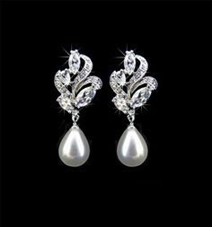 pearl drop earrings with some sparkle