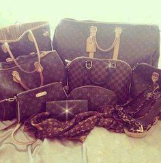 Louis Vuitton Handbags 2016 Hot Sale LV Handbags Outlet Save For You! Louis Vuitton So Cheap! Coach Handbags, Louis Vuitton Handbags, Purses And Handbags, Louis Vuitton Monogram, Vuitton Bag, Handbags Online, Gucci Handbags, Look Fashion, Fashion Bags