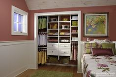 Kid's Closet One of the great advantages of having custom closets for your child, is the ability to reconfigure the closet to accommodate your child's growth. For example, the triple hanging section on the left can become a double hanging section in the future.