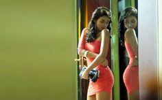 latina mirror glass reflection room door fashion style purse babes sexy sensual dress legs contrast colors peach brunette hair shape bottom butt tush…