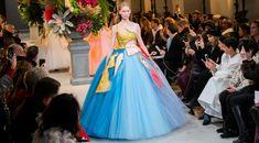 Défilé Viktor & Rolf Printemps-été 2017 Haute couture - Madame...