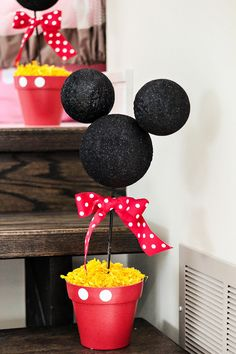 CHEER-ful Mickey Mouse Clubhouse Birthday Party. Easy to make and then put popcorn in for each table as well as food table. @misspolkadots07