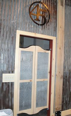 Foot swinging doors 6 saloon