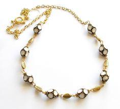 Halsband med indonesiska pärlor från http://ladyofthelake.se