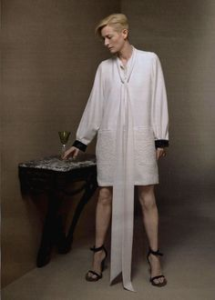 For appreciators of minimalism, Celine, period of Chloe, and the person behind all the magic - Phoebe Philo. Tilda Swinton, Hair Movie, Celebrity Stars, Paolo Roversi, Vogue Korea, Phoebe Philo, Young Fashion, Street Outfit, Red Carpet Looks