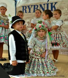 A Slovak wedding - children performance Photography by Milan Hlôška Folk Costume, Costumes, Milan, Harajuku, Vogue, The Incredibles, European Countries, Traditional, Pictures