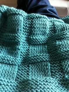 GREAT BALLS OF YARN'S KNITTY GRITTY: Great Balls of Yarn's J. Crew Inspired Blanket--FREE PATTERN DAY!