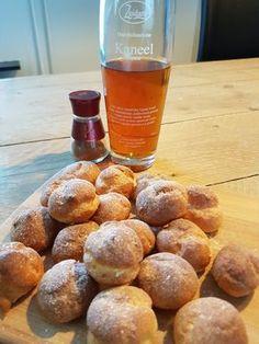 Slagroomsoesjes met kaneel vulling Eclairs, Dessert Recipes, Desserts, Pretzel Bites, Cupcakes, Sweets, Bread, Chocolate, Food